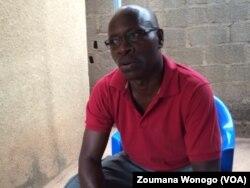 Ladji Bama, un ancien malade de dengue, à Ouagadougou, Burkina, le 18 novembre 2016. (VOA/Zoumana Wonogo)