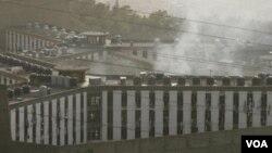 Penjara Roumieh, di sebelah timur laut Beirut. Beberapa tahanan termasuk 5 militan kabur dari penjara ini, Sabtu (13/8).