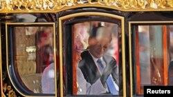 Королева Елизавета и председатель КНР Си Цзиньпин