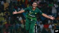 سپاٹ فکسنگ نے پاکستانی ٹیم کو دُکھی کیا، شعیب