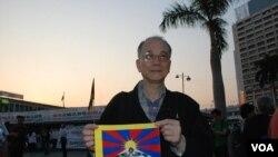 香港市民梁耀偉連續五年參與紀念西藏的活動