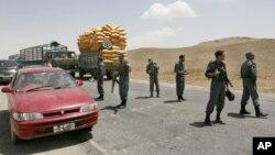 طالبان پیش از پیش به خاطر بسته شدن شاهراه به رانندهگان هشدار داده بودند