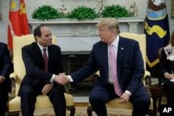 AQSh Prezidenti Donald Tramp (o'ngda) Misr rahbari Abdul Fattoh al-Sissi bilan,Vashington, 2019-yil, 9-aprel