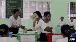 Prebrojavanje glasova nakon izbora u Burmi