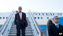 John Kerry à son arrivée à Londres