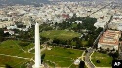 2011년 지진으로 손상된 워싱턴 기념비 (자료사진)