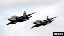 Militer China membeli beberapa pesawat Sukhoi Su-25 dari Rusia (foto: ilustrasi).