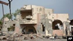 반군과 정부군과의 전투로 폐허가 된 아덴시 (자료사진)