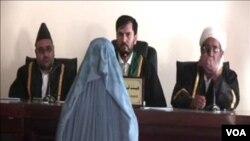زهرا در جریان اظهارات به قضات
