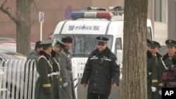 在天安門廣場地區值勤的武警和公安 (資料圖片)