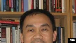 Phó Giáo sư Vũ Tường của Đại học Oregon