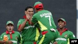 Bangladeş'te Dilencilere Rüşvet