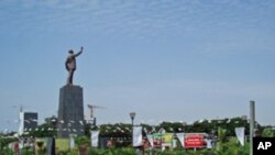 Praça da Independência, Luanda, na manhã de segunda-feira