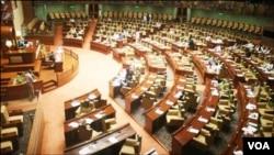 قرارداد کې د پاکستان د پارلمان، وسله وال پوځونو ، رسنیو او د ملک د ټولو جمهوري ادارو سره د یو والي څرګندونه شوې ده .