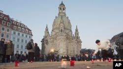 """Собор """"Фрауенкірхе"""" був зруйнований в результаті бомбардування 13 лютого 1945 року, але знову збудований після Другої Світової війни"""