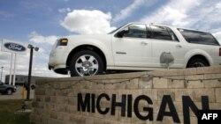 Сенатор Дебби Стэйбнау: российские правила вредят автомобилестроителям США