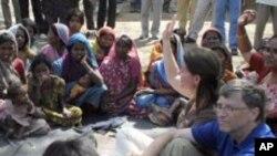 สองมหาเศรษฐีอเมริกันกระตุ้นให้เศรษฐีอินเดียเข้าร่วมในโครงการบริจาคเงินเพื่อการกุศล