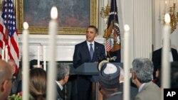 奥巴马总统2010年8月13日在白宫举行的开斋晚宴上发表讲话(资料照片)