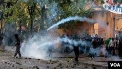 Los estudiantes reclamaron que la reacción policial fue desmedida y pidieron volver a ser autorizados para marchar.
