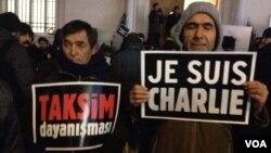 Charlie Hebdo saldırısı sonrası İstanbul'da da protesto düzenlendi