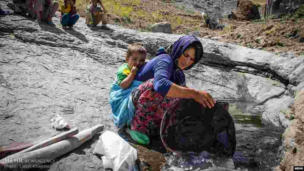 """عکسهایی از خبرگزاری مهر با عنوان """" فقر به توان امید"""" - عکس: لاله خواجویی"""