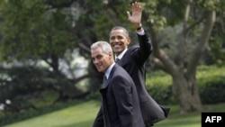 Ông Rahm Emanuel (trái) và Tổng thống Obama