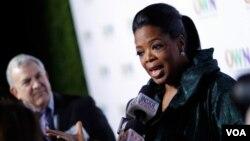 Oprah Winfrey es considerada como la reina de los programas de entrevistas con un récord de 7 millones de televidentes en cada show.