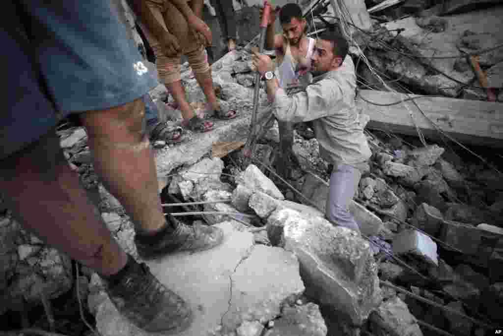 İsrailin Rəfahdakı qaçqın düşərgəsinə etdiyi raket hücumu zamanı bir ailənin 5 üzvü ölüb - 11 iyul, 2014