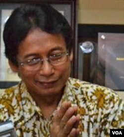 Prof. Dr. Bambang Suhendro, ketua tim peneliti dari Universitas Gadjah Mada, Yogyakarta.