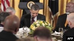 Барак Обама на молитвенном завтраке с христианскими лидерами