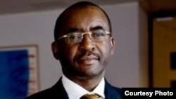 Mr. Strive Masiyiwa of Econet Wireless.
