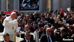 Папа римский Франциск на площади Святого Петра в Ватикане. Рим. 25 марта 2018 г.