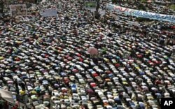Prière du vendredi au Caire pour exiger le procès des anciens dirigeants égyptiens