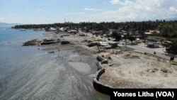 Kerusakan akibat Tsunami di pinggi pantai Teluk Palu di Kelurahan Mamboro, Palu Utara, Sulawesi Tengah, 21 Juli 2019. (Foto: Terkini.com/Yoanes Litha)