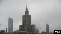 北约峰会将在华沙开幕。华沙地标的斯大林式建筑-华沙科学文化宫。
