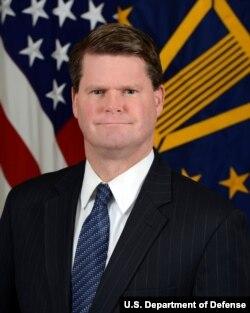 負責亞太安全事務的美國國防部助理部長薛瑞福(Randall Schriver,美國國防部照片)