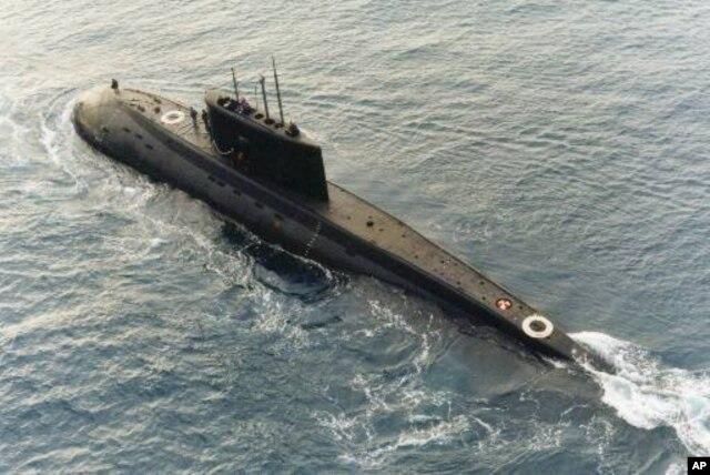 Việt Nam đã đặt mua 6 chiếc tàu ngầm lớp Kilo của Nga năm 2009, trị giá khoảng 2 tỷ đôla, và dự kiến sẽ được bàn giao tất cả vào năm 2016.