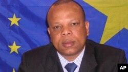 Dr. Georges Alula, écrivain, homme politique congolais