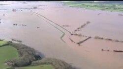 2014-02-11 美國之音視頻新聞: 英國泰晤士河決堤影響大部份地區