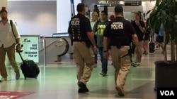 Los preparativos de seguridad son intensos y se sienten desde la llegada al aeropuerto de la ciudad. [Foto: Celia Mendoza, VOA]