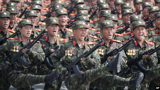 战云密布下朝鲜阅兵,中国高官缺席(33图)