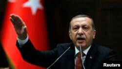 عکس آرشیوی از رجب طیب اردوغان نخست وزیر ترکیه