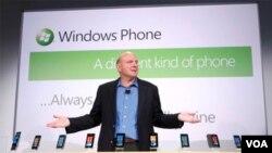 El presidente de Microsoft, Steve Ballmer, anunció 9 terminales distintos para la campaña inicial del nuevo Windows Phone 7.