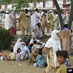 متاثرین سیلاب کے لیے قائم ایک کیمپ