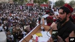 تحریک تحفظ پشتون، نظامیان پاکستانی را به نادیده گرفتن حقوق پشتونها متهم میکند