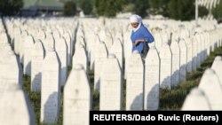 Varret në Qendrën Përkujtimore Potocari, pranë Srebrenicës