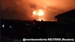 Une explosion s'est produite dans une station de gaz naturel, à Accra, Ghana, le 7 octobre 2017. (@ronnieamofa/via REUTERS)