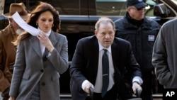 Weinstein à chegada ao tribunal