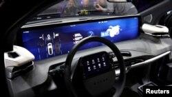 Las grandes tecnológicas se han unido a los fabricantes de autos para optimizar el uso de servicios en línea, de modo que un auto funcione como un teléfono intenligente.