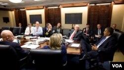 Presiden AS Barack Obama mengadakan rapat di Gedung Putih mengenai perkembangan terbaru dengan kedua Korea.